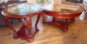 Very Nice Coffee & 2 End table set