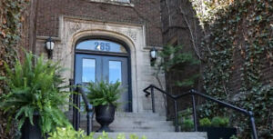 2 Bedroom Apartment Available in Beautiful Century Building!