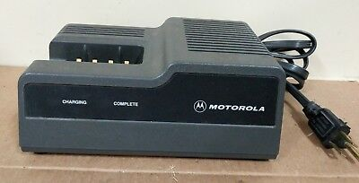 Motorola Mt1000 Ht600 Mtx800 Mtx810 Portable Radio Rapid Charger Ntn4633b Tested