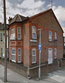 Great Bedsit on Lyndhurst Road