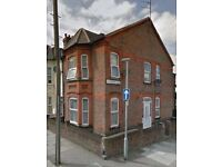 NO DEPOSIT - Great Bedsit on Lyndhurst Road