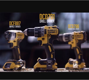 20V MAX* XR Lithium Ion Brushless Compact Hammerdrill / Driver