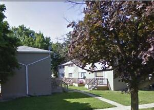 Newly renovated 2 bedroom townhouse- 935 Wellington