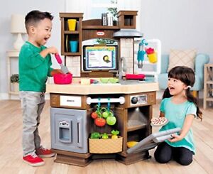 Brand new Little Tikes Cook 'N Learn Kitchen