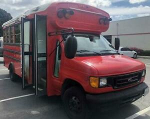 2004 Ford E450 Converted Poke/Food Truck -