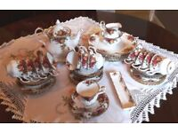 ROYAL ALBERT VINTAGE OLD COUNTRY ROSES TEA SET FOR 12 plus dinner plates etc.