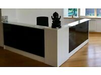 AS NEW - Reception Miro - Italian design, wood and black glass in front, upper top white glass
