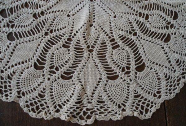 "Vintage Crochet Lace Centerpiece Doily Triple Pineapple Star Ecru Topper 23"""