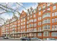 3 bedroom flat in Bedford Court Mansions, Bedford Avenue WC1B
