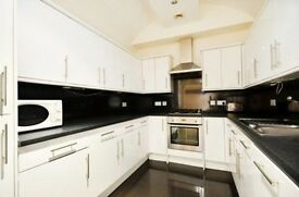 4 bedroom flat in Weymouth Mews, Marylebone, W1G