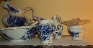 Wash Chamber Set Lovely  Blue and White Floral   Sussex