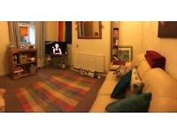 Spacious Double Bedroom to Rent in Lovely 3 Bed House in Cathays