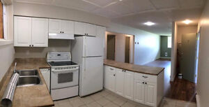 Newly Renovated 2 Bedroom Suite on Upland