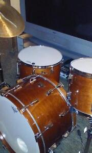 Vintage Pearl all maple shell drum kit