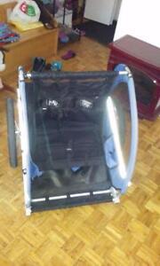 Chariot de velo double ccm bleu et noir comme neuf