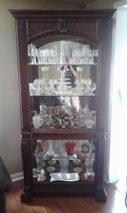 DISPLAY CABINET WITH CRYSTAL