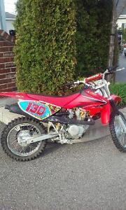 Motocross honda crf 80, bottes, plastron...