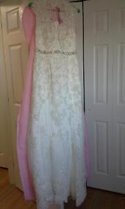 Gorgeous Maggie Sottero Bernadette wedding dress - NEW PRICE