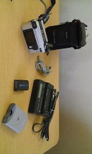 EXCELLENT SONY DIGITAL CAMERA WITH ACCESSORIES London Ontario image 2