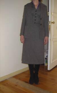 AMAZING RARE VINTAGE 70s Herringbone Tweed 3 piece suit