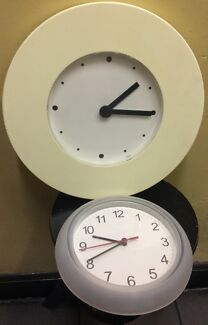 BRAND NEW Family Tree Pictures and Clock White Clocks