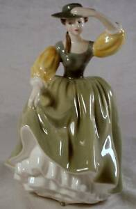 ROYAL DOULTON figurines $100 - $175 Sarnia Sarnia Area image 1