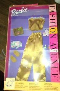 NEW Set of Barbie clothes in package for sale London Ontario image 1