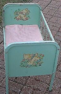 IM LOOKING FOR A OLD BABYS BED SMALL CRIB TYPE