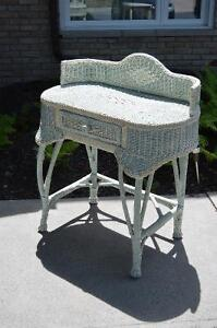 Lovely Wicker Hall/Dressing Table w Drawer-Great Condition!