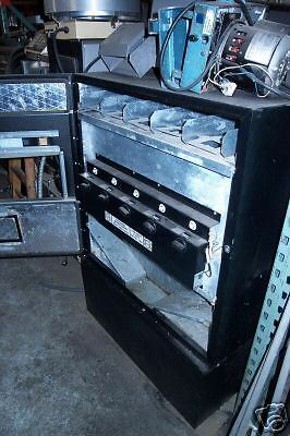 Vending Machine Refrigerated 115 Volts 5 Selections.coins 900 Items On E Bay