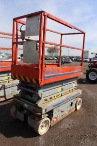 2004 Skyjack 3219 scissor lift
