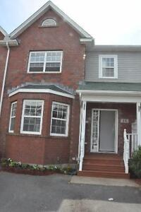 34 Woodhaven Close, Motivated Seller!