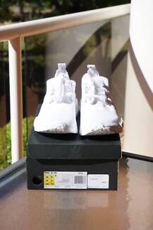 DS US 10 Adidas NMD R1 Japan Triple White (BZ0221)
