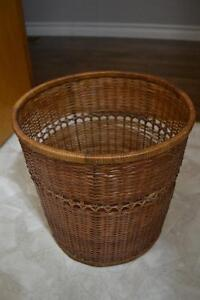Small wicker wastebasket Peterborough Peterborough Area image 1