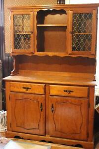 Beautiful solid wood China Cabinet