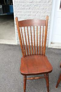 1 BEAUTIFUL WOOD CHAIRS. EXCELLENT CONDITION!! Gatineau Ottawa / Gatineau Area image 2