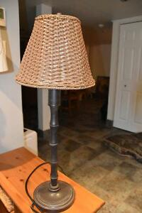 LAMPE SUR TABLE POUR INTÉRIEUR/EXTÉRIEUR