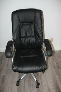 Black leather office chair Cambridge Kitchener Area image 1
