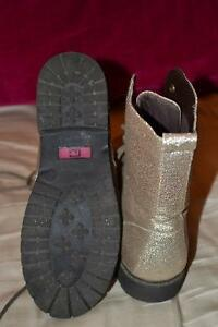 Gold Glitter Combat Boots Sz 38 (i think 7/8) Kitchener / Waterloo Kitchener Area image 2