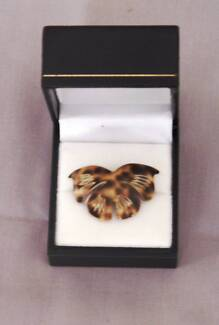 Vintage 1990 Butterfly Shell Brooch: NEW