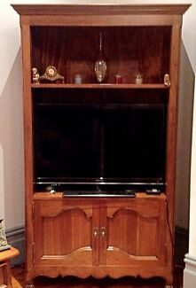 High End Heritage Wall Unit