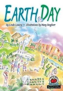 Earth Day by Linda Lowery (Paperback / softback, 2004)