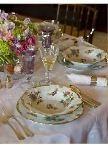 HEREND HAND-PAINTED,QUEEN VICTORIA  COMPLETE DINNERWARE for 6,