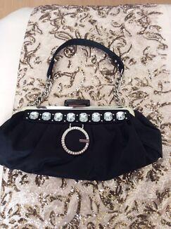 Gorgeous black guess bag.