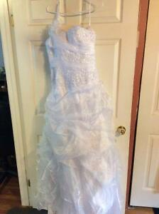 New Beautiful Bridal Gown