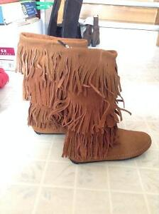 {{BRAND NEW}} Women's US Size 5 Brown Leather Fringed Boots