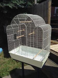 Deluxe bird cage  with stand / Voilière et support