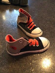 Toddler size 8 converse shoes