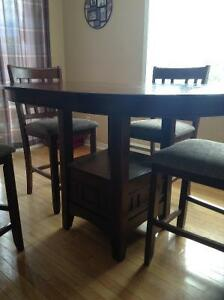 Solid wood dining set West Island Greater Montréal image 2