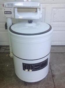 Wringer Washer- Almost Brand New